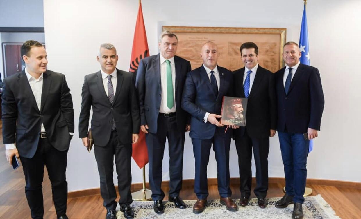 Haradinaj në takim me kryetarët e partive opozitare