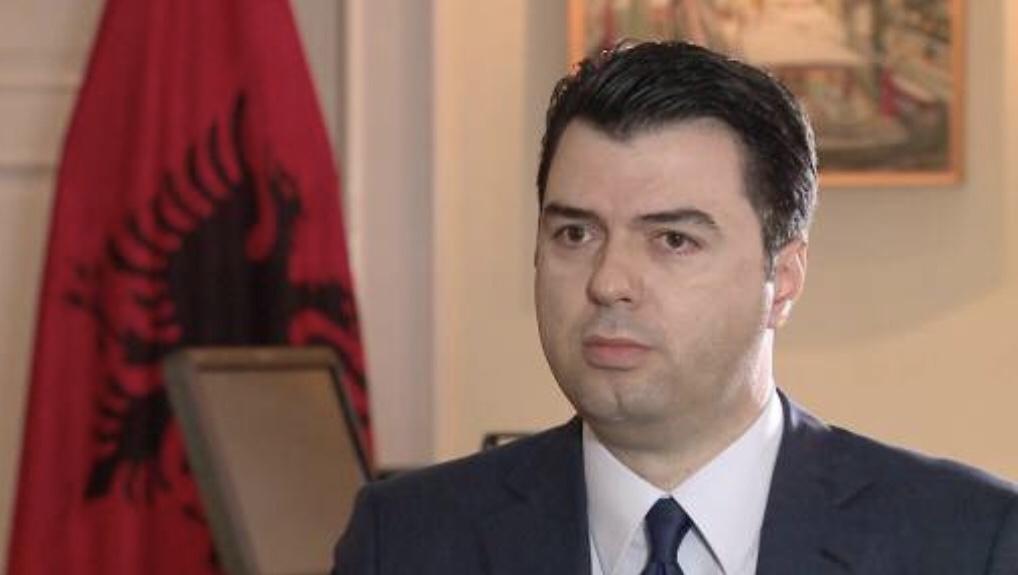 Lulzim Basha: Edi Rama rikthen në Shqipëri gjyqet politike kundër opozitës.