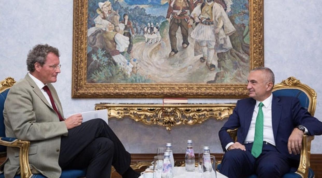 "Presidenti Ilir Meta ka shpallur person ""non grata"" ambasadorin Borchardt,"