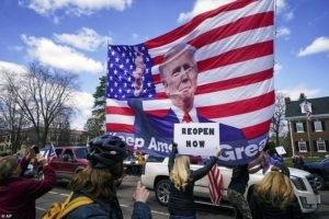 Protesta në SHBA/ Amerikanët kërkojnë heqjen e kufizimeve